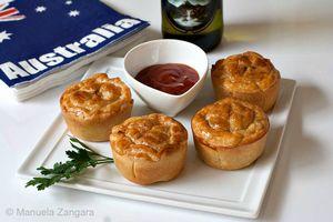Aussie tucker' meat pies