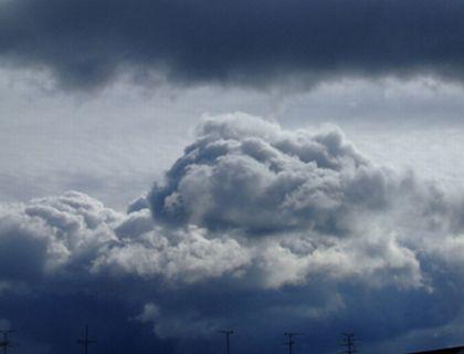 曇り空の天気