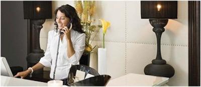 ホテルでの電話のシーン