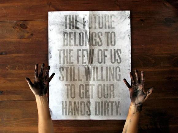 ハワード・シュルツの言葉:世界は両手を泥だらけにするのを恐れない人のためのものです.