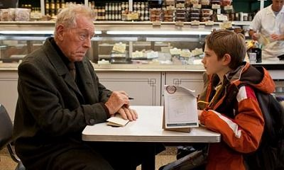 Extremely loud & incredibly close2