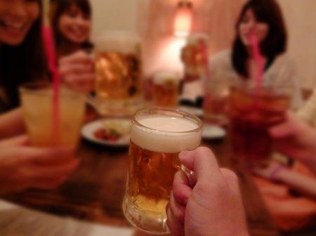 英語でとりあえずビールは!?もうすぐ忘年会シーズン!飲み会あるある英会話