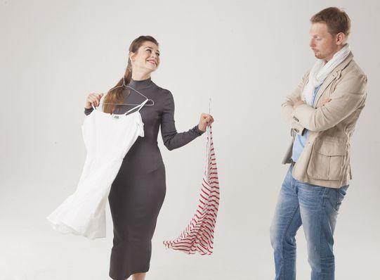 え、ちょっと見てるだけです・・・! この夏海外旅行予定している人は必見!洋服を買う時に使えるフレーズ