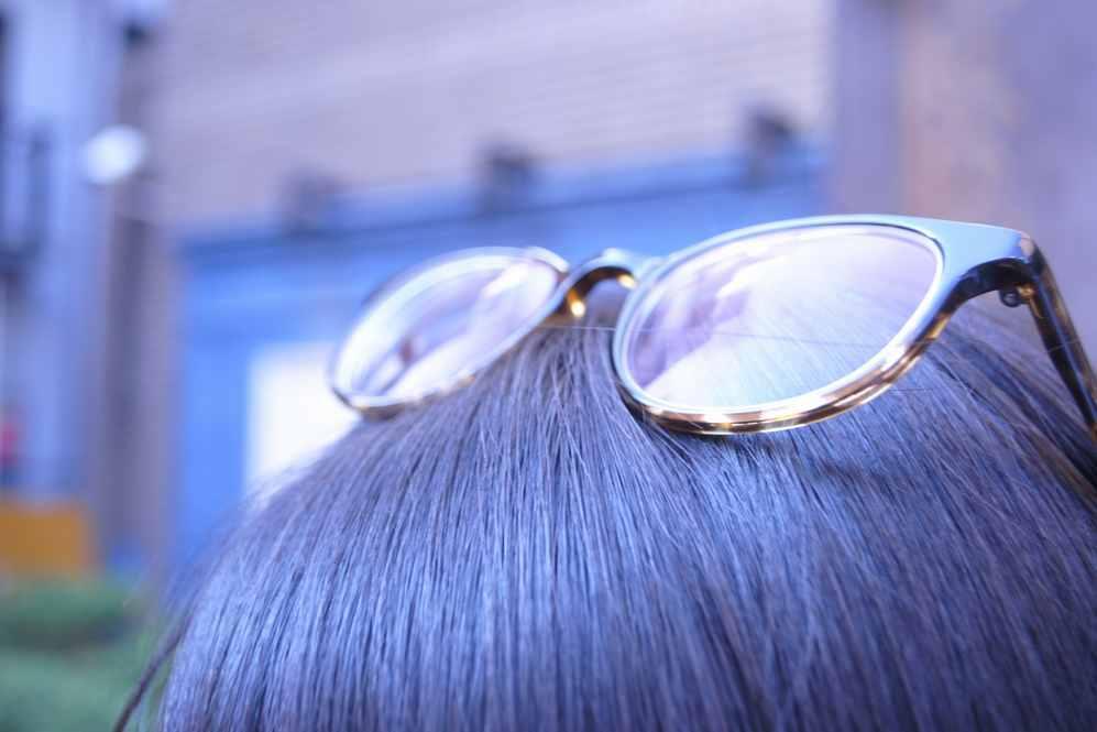 頭の上に乗ったメガネ