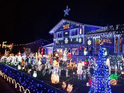クリスマスイルミネーションは通じない?ネイティブらしい表現は?