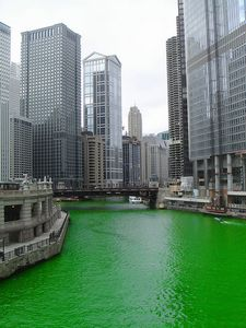 chicago_river.jpg