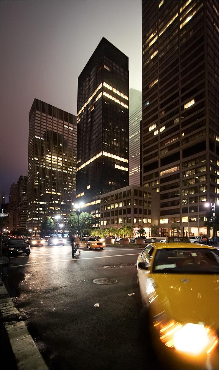 NY_park-avenue_night_tall_taxi_01.jpg