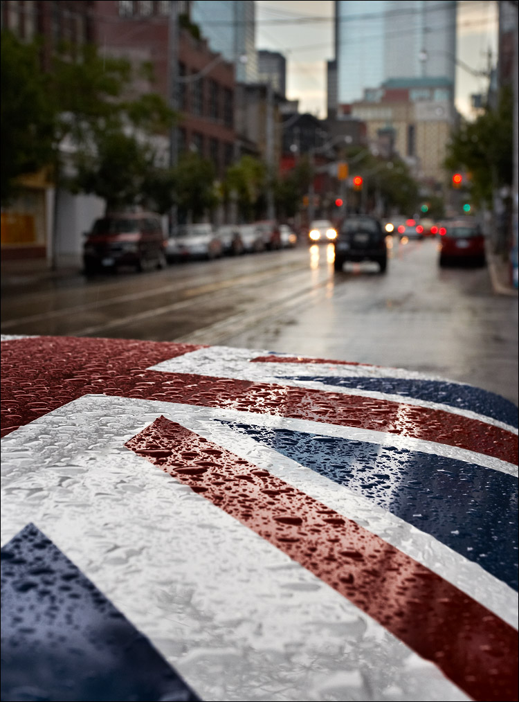 mini_uk-flag_wet_rain_king.jpg
